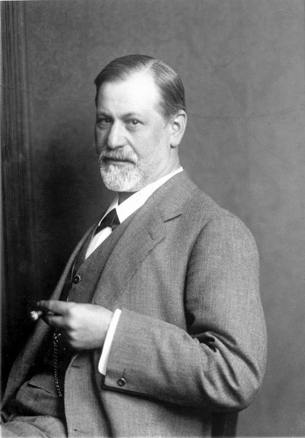 627px-Freud_ca_1900
